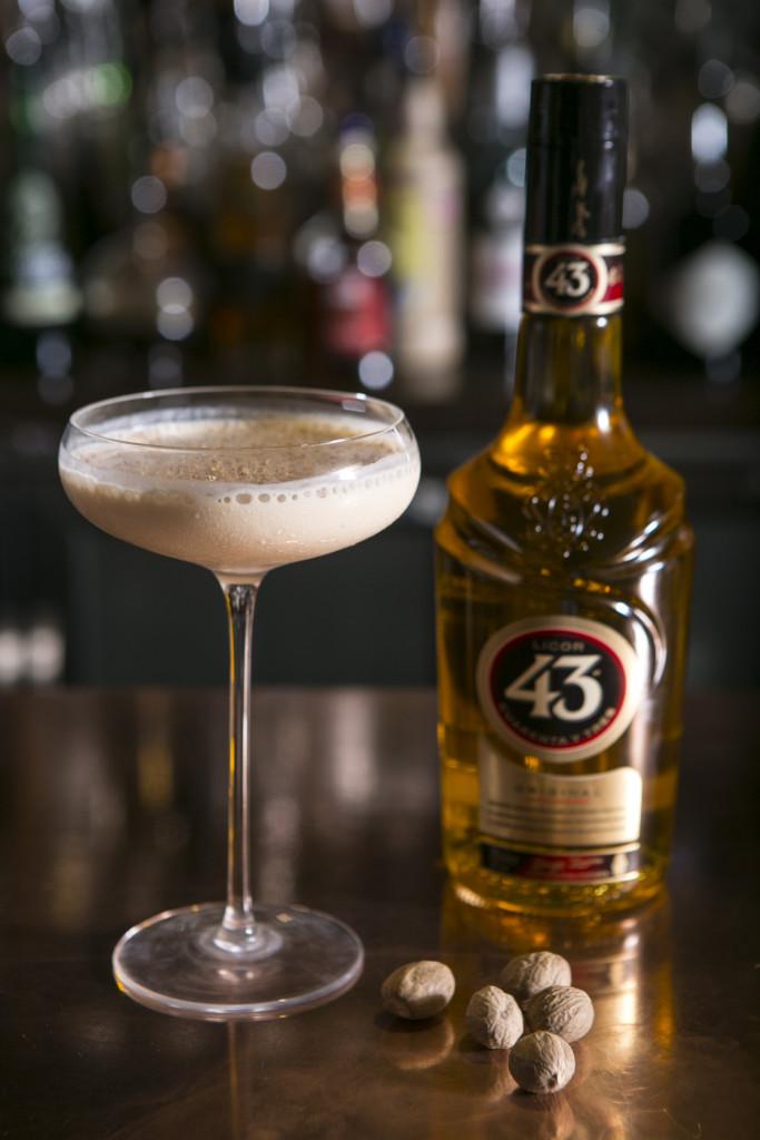 43 Best The Minimalist Wardrobe Images On Pinterest: Crème Brûlée Martini