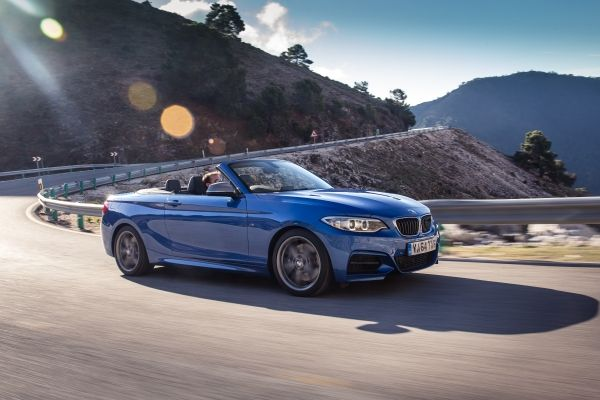 P90174387_lowRes_the-bmw-m235i-conver