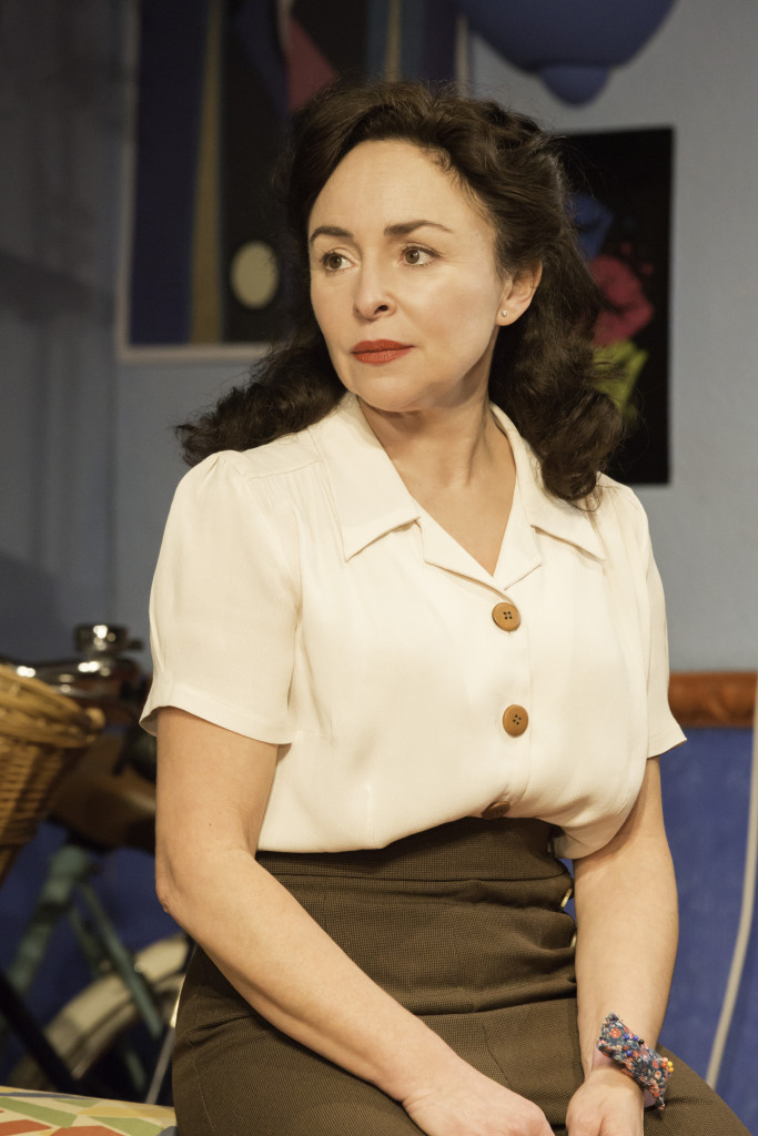 Samantha Spiro as Viv (Credit: Johan Persson)