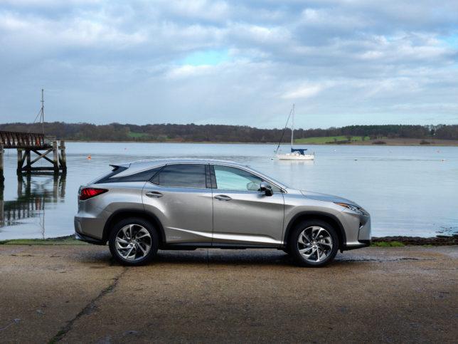 2016-Lexus-RX-450h-exterior-static-6-v2