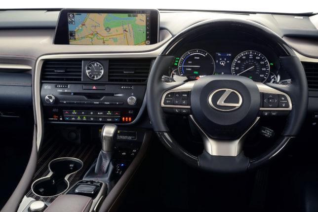 2016-Lexus-RX-450h-interior-1