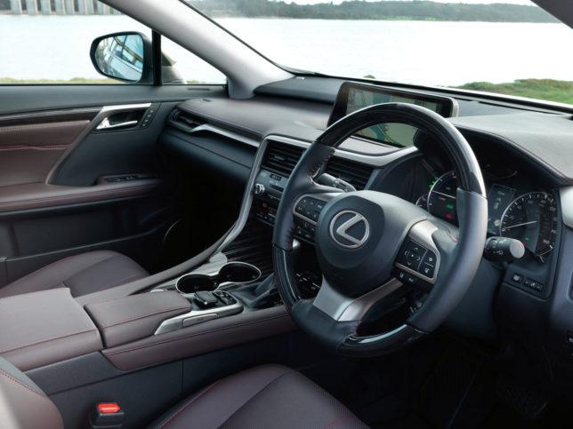 2016-Lexus-RX-450h-interior-2