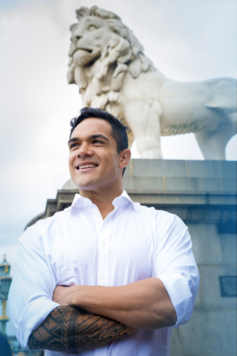 LR Nicholas Afoa joins the cast of Disney's The Lion King at the Lyceum Theatre in London 1