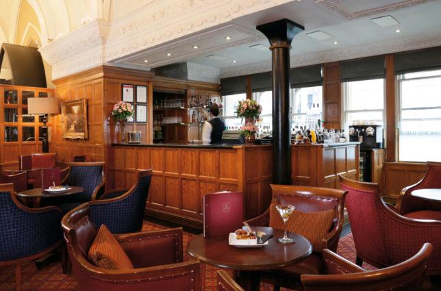LR Macdonald Randolph Hotel Morse Bar 3