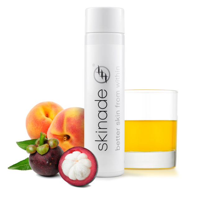 Skinade Bottle+Fruit hi res